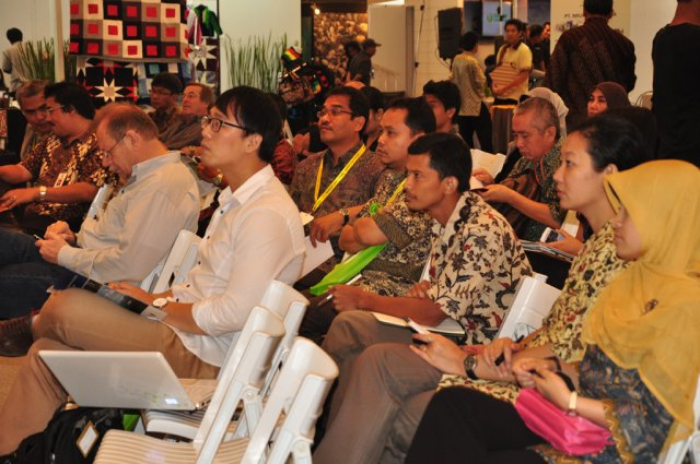 Climate Change - Education Forum and Expo May 2011/ Talk Show At Dnpi Expo - 5