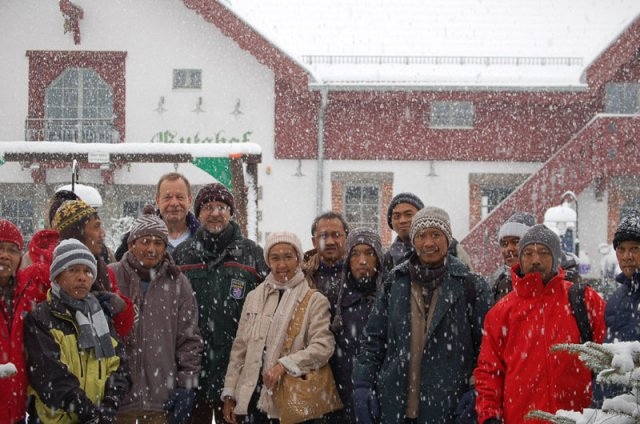 snow---welcoming-participan